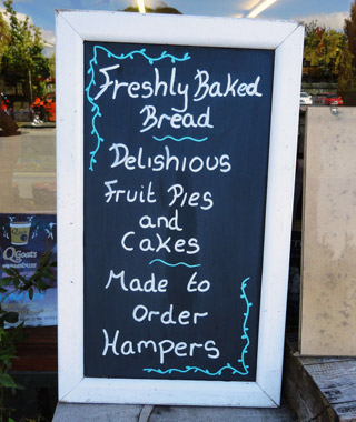Funniest Menu Mistakes Around the World: fruit pie