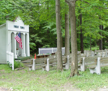 World's Strangest Towns: Lily Dale, NY