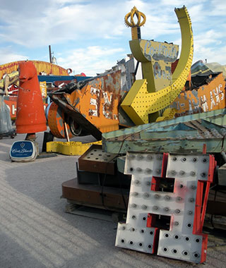 Cool Neon Signs: The Neon Museum