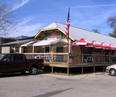 America's Best College Bars: Donn's Depot