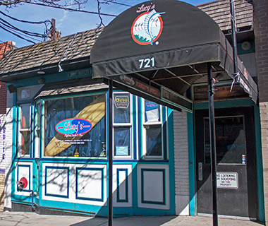 Best College Bars: Lucy's Retired Surfers Bar, Syracuse University