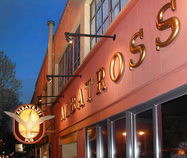 America's Best College Bars: The Albatross