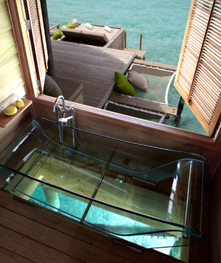 Coolest Hotel Bathtubs: Six Senses Laamu