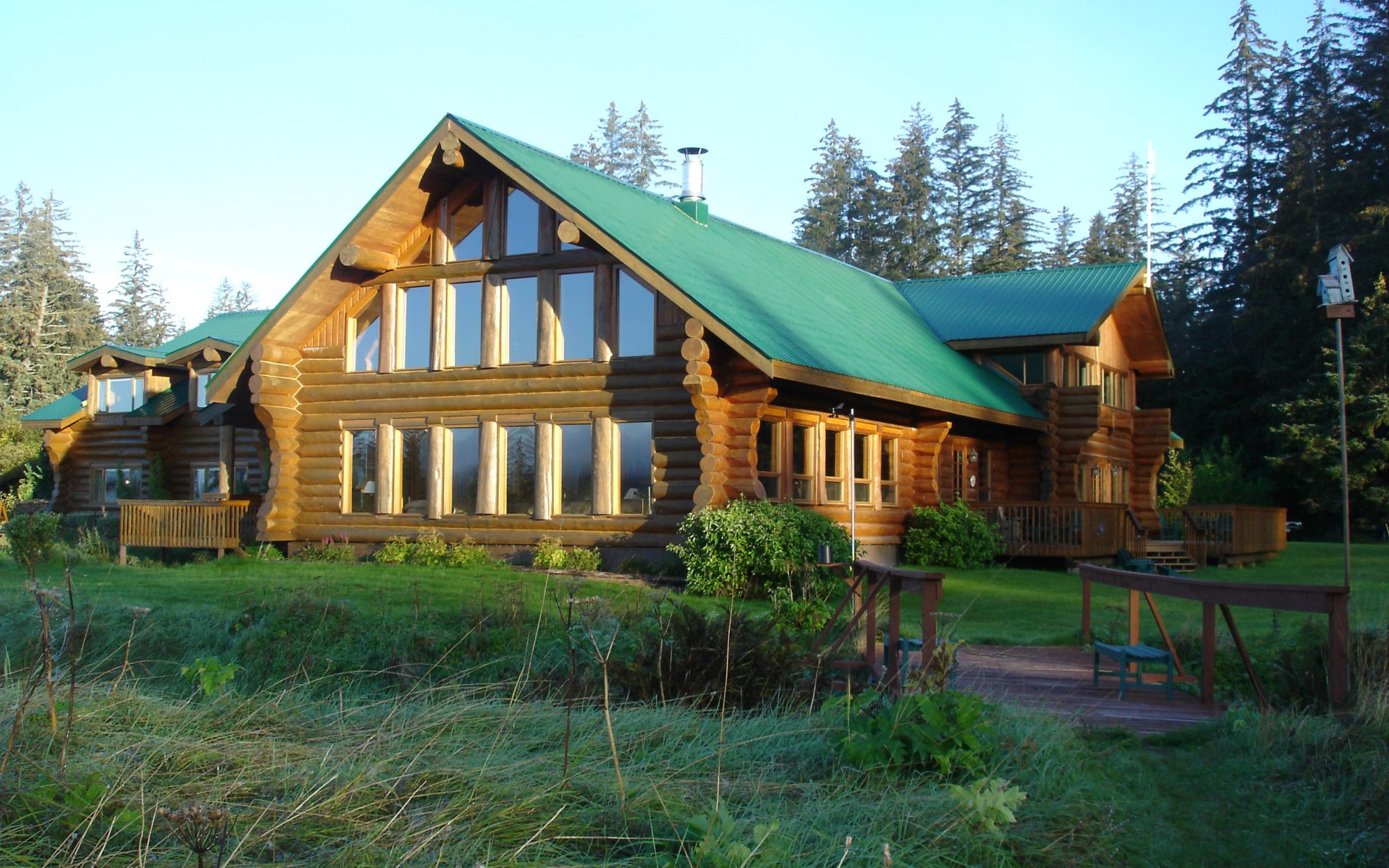Great National Park Lodges: Glacier Bay's Bear Track Inn