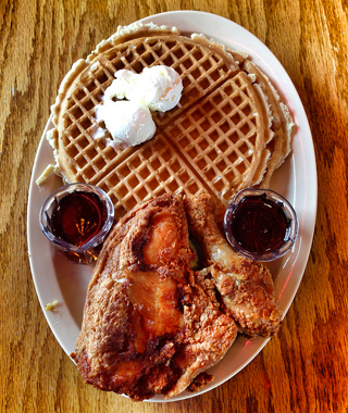 America's Best Chicken & Waffles: Roscoe's House of Chicken and Waffles, Los Angeles