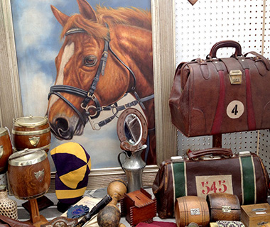 201309-w-local-experts-los-angeles-flea-markets-santa-monica-airport-outdoor-antique-market