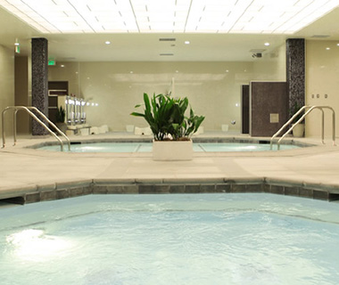 201310-w-local-experts-la-best-spas-wi-spa