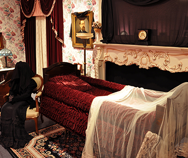Strangest Museums: National Museum of Funeral History