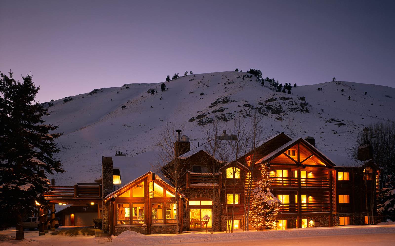 America's Most Romantic Winter Destinations: Rusty Parrot Lodge