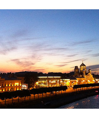 Beautiful Nighttime Photos: St. Petersburg, Russia