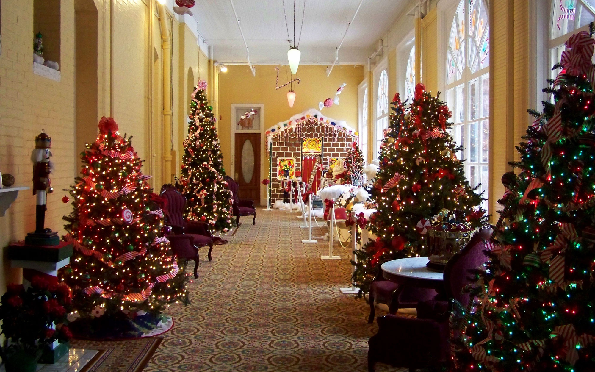 America's Best Hotels for Christmas: Hotel Colorado, Glenwood Springs, CO