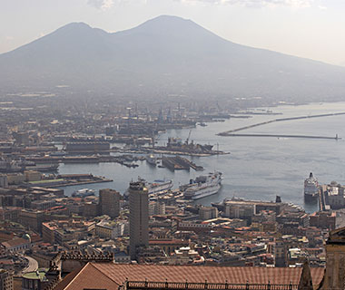 Cities that That Could Be the Next Pompeii: Naples, Italy