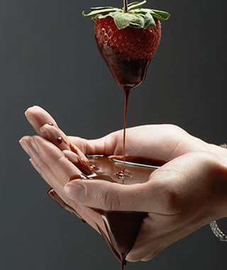 Worst Romantic Hotel Fails: Chocolate-covered Strawberries