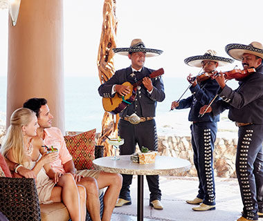 Worst Romantic Hotel Fails: Serenading Musicians