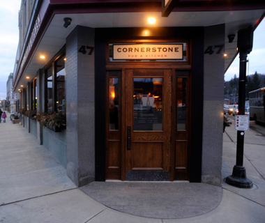Eat Like a Local: Cornerstone Pub