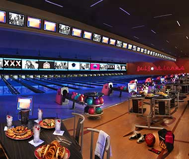 What to Do in Las Vegas: Red Rock Lanes