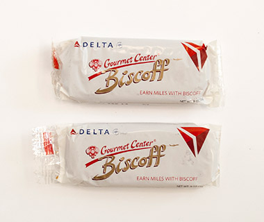Airline Snacks: Biscoff Cookies, Delta Air Lines