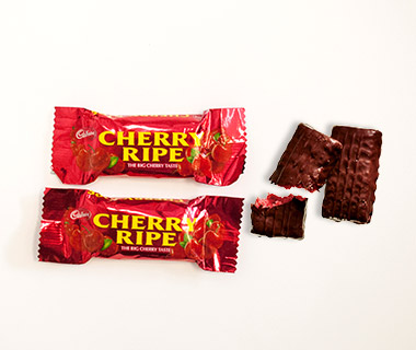 Airline Snacks: Cherry Ripe Chocolate Bars, Virgin Australia