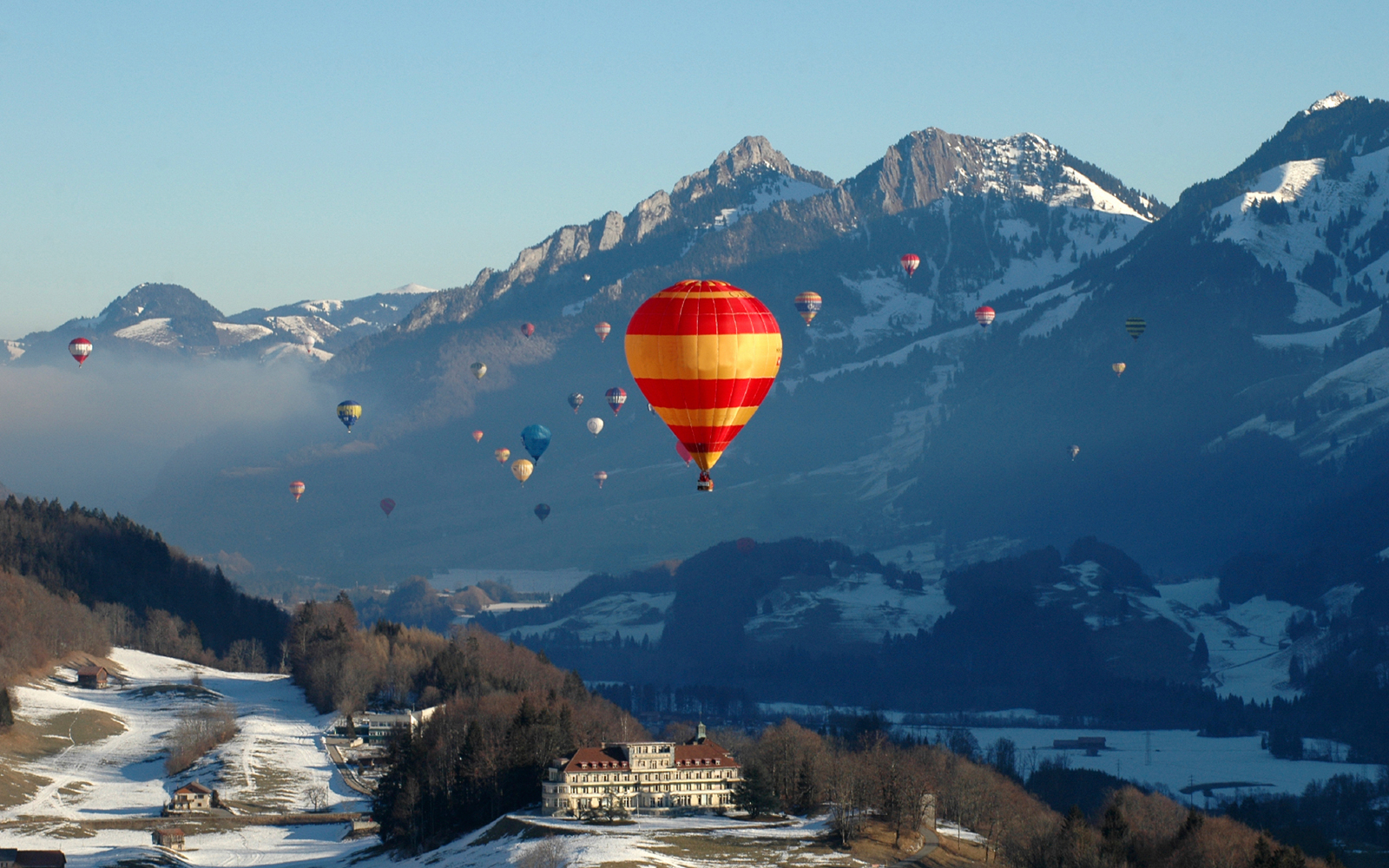 Best Hot-Air Balloon Rides: International Hot-Air Balloon Festival, Château d'Oex, Switzerland