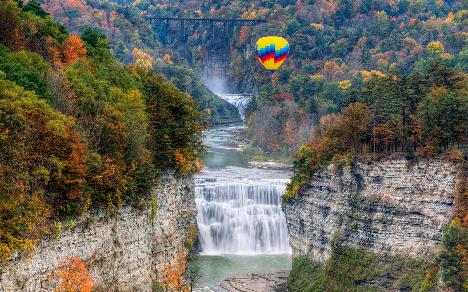 Best Hot-Air Balloon Rides: Letchworth State Park, New York
