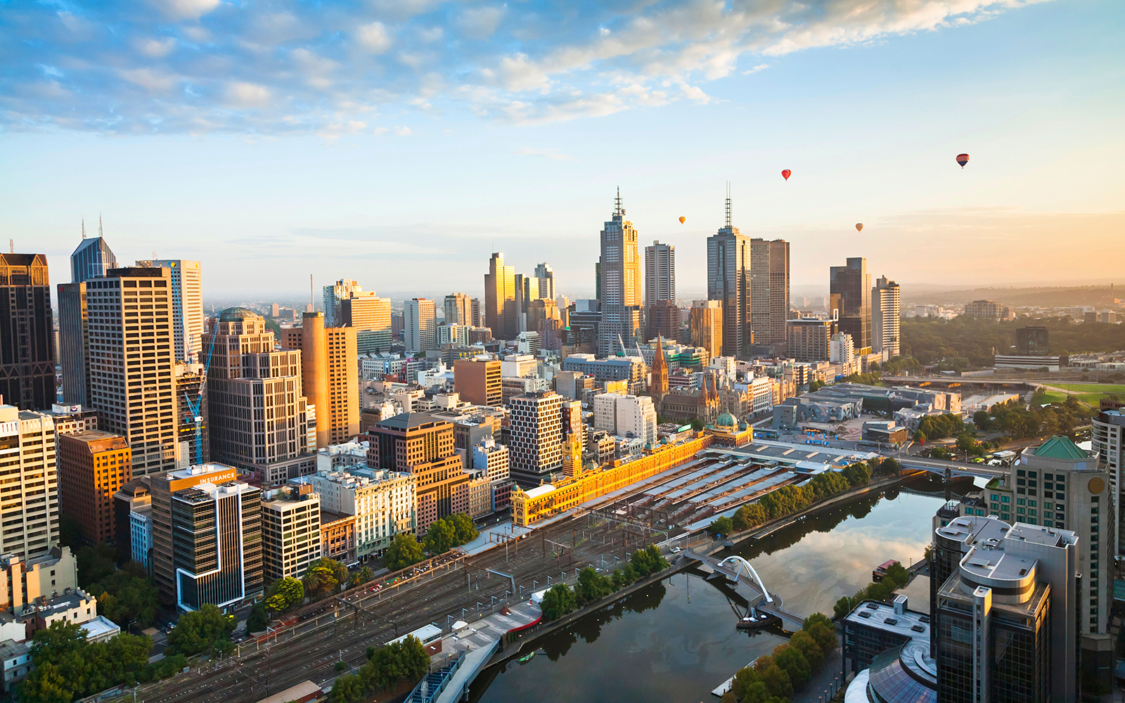 Best Hot-Air Balloon Rides: Balloon Over Melbourne