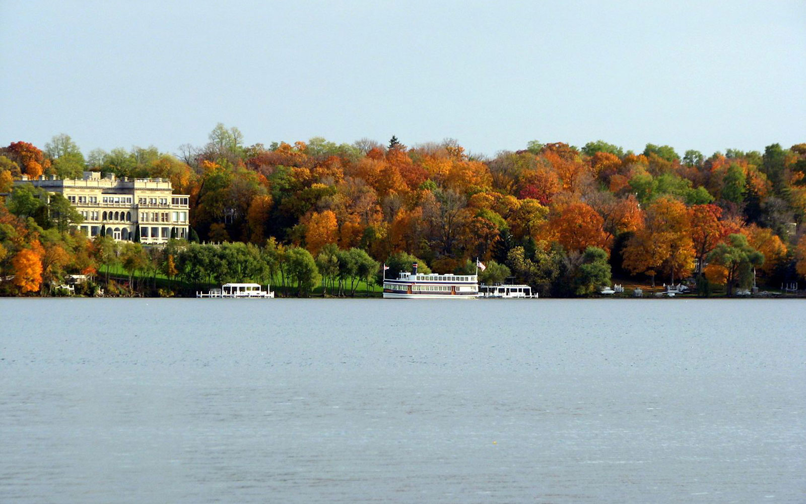 America's Best Towns for Fall Colors: Lake Geneva, WI
