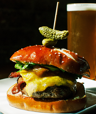 America's Best Burgers: 3D Valley Farm Burger, Holy Grale, Louisville, KY