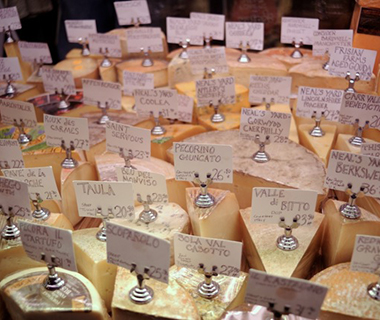 201408-ss-best-cheese-shops-in-america-cheese-bar