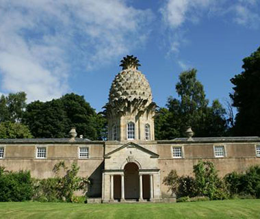 Strangest Vacation Rentals: The Pineapple, Scotland