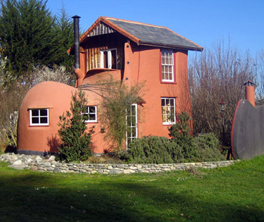 Strangest Vacation Rentals: The Boot, Tasman, New Zealand