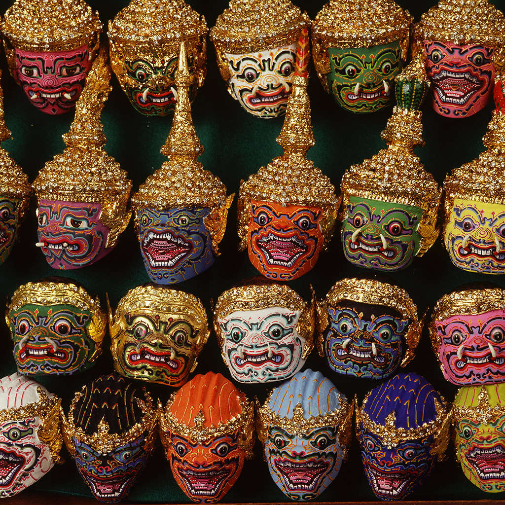 Best Places to Buy a Souvenir in Bangkok