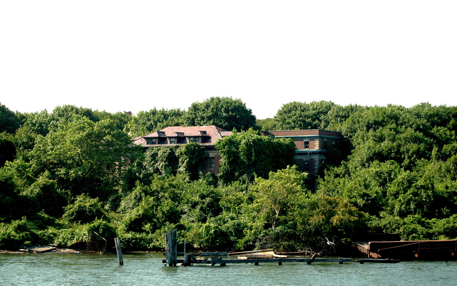 America's Coolest Ghost Towns: North Brother Island, NY