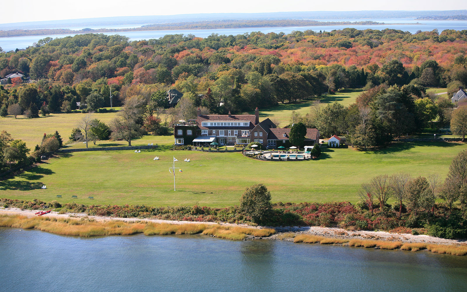 America's Best Hotels for Fall Colors: Point Pleasant Inn, Bristol, RI