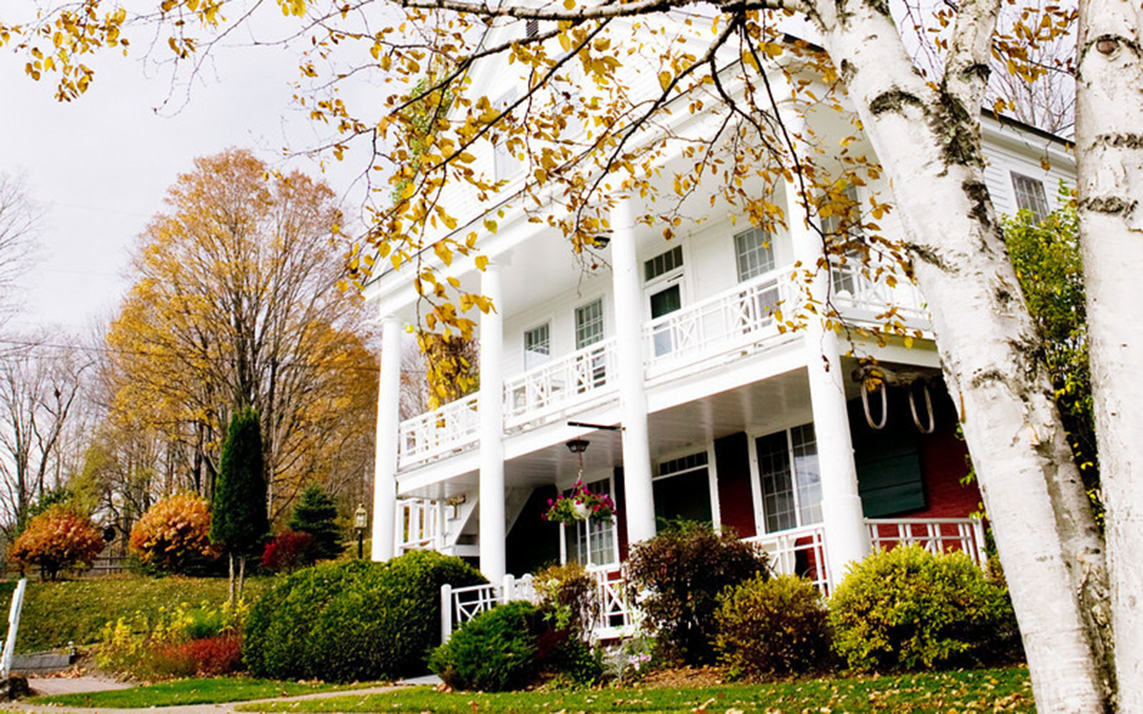 America's Best Hotels for Fall Colors: Rabbit Hill Inn, Lower Waterford, VT