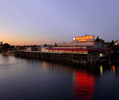 Puget Sound Getaway From Seattle: Port Angeles CrabHouse