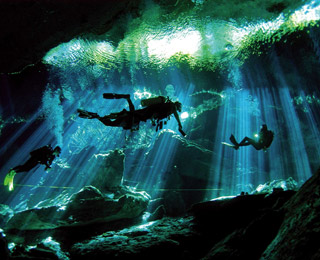 World's Greatest Diving Spots: Cenote Taj Maja, Mexico