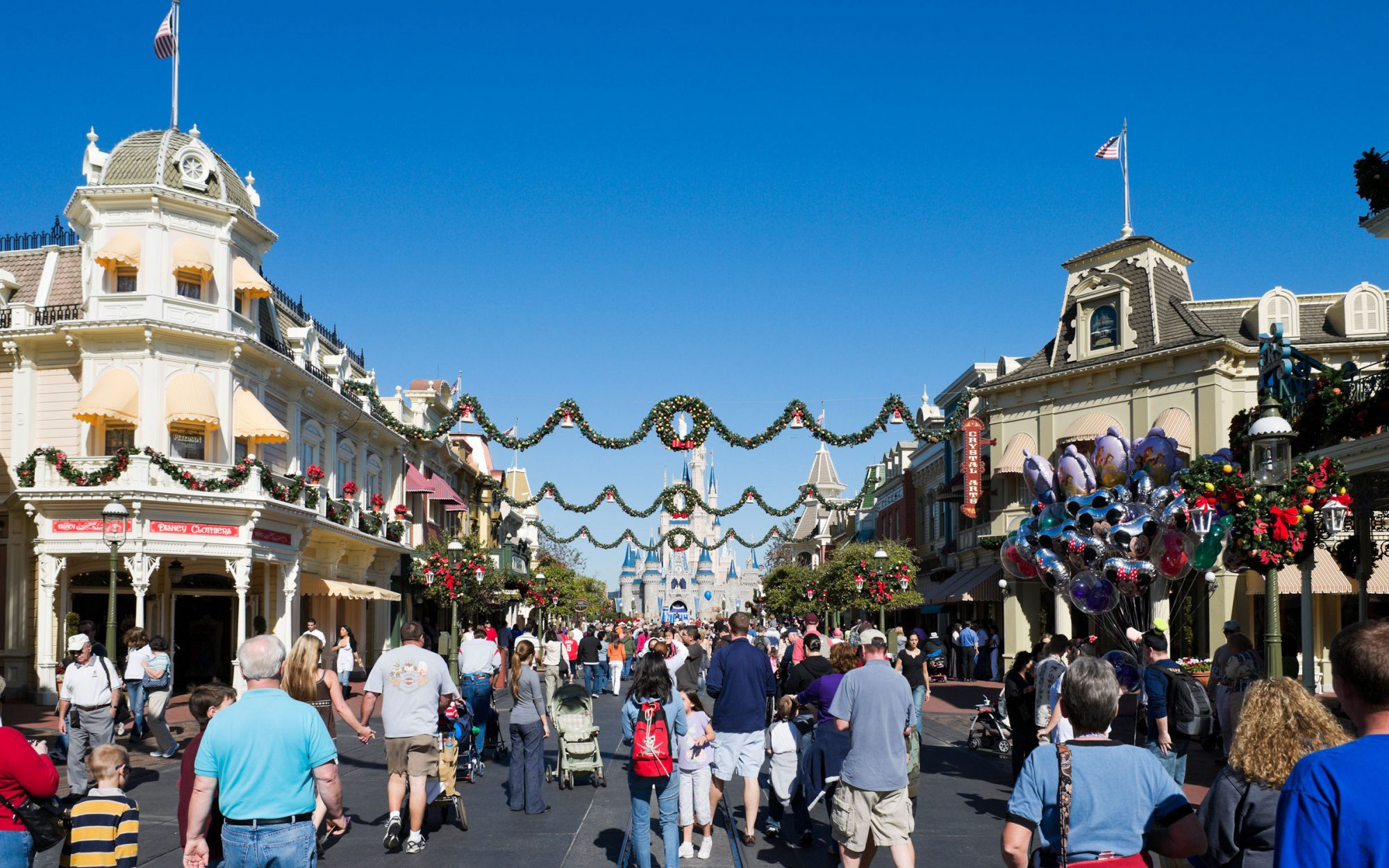 Disney Christmas Travel Tips: Arrive at Least One Hour Before the Park Opens