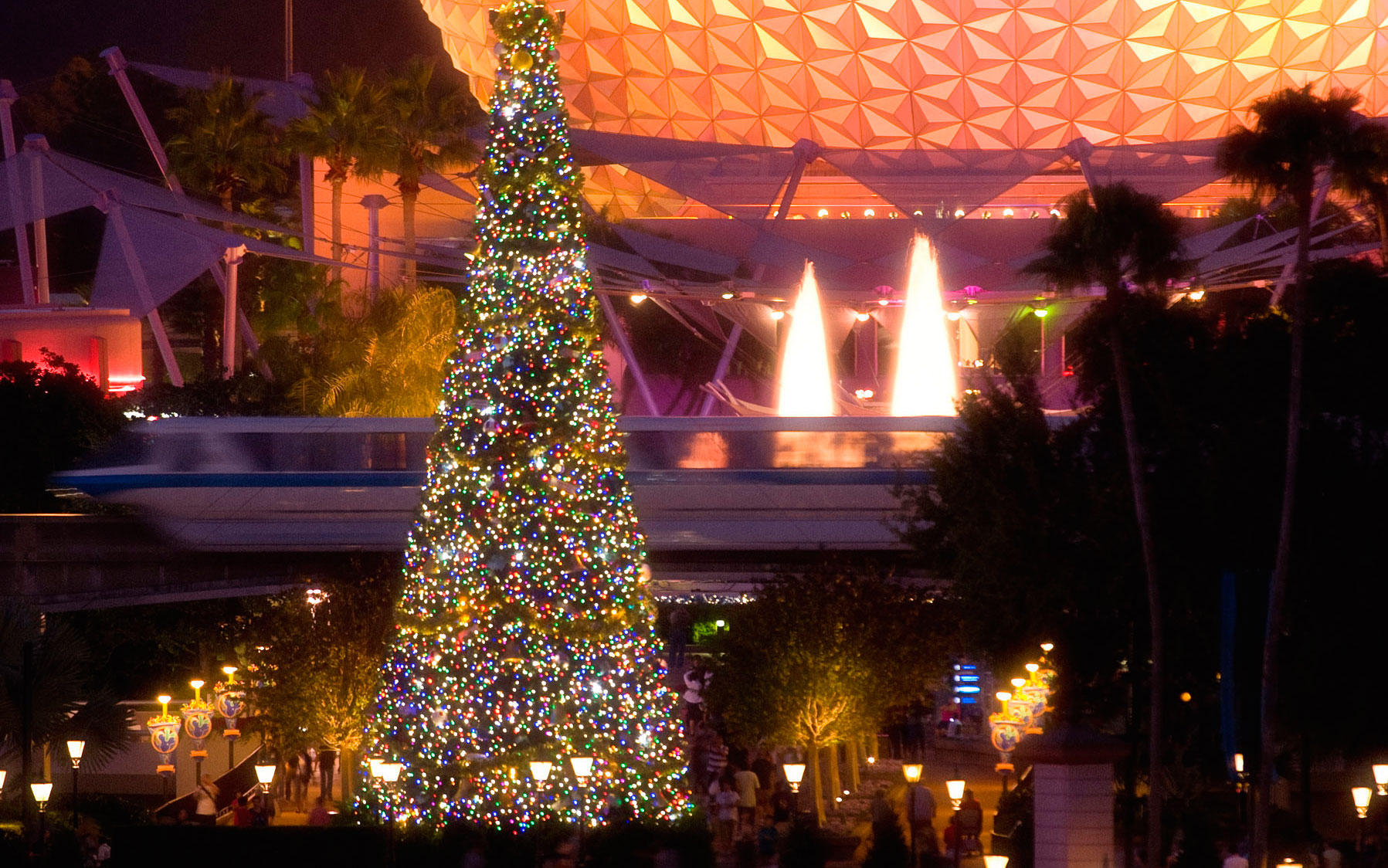 Disney Christmas Travel Tips: Sneak a Glimpse Behind the Scenes