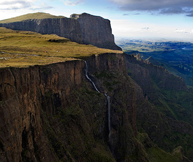 World's Most Amazing Cliffs: Drakensberg Amphitheatre, South Africa