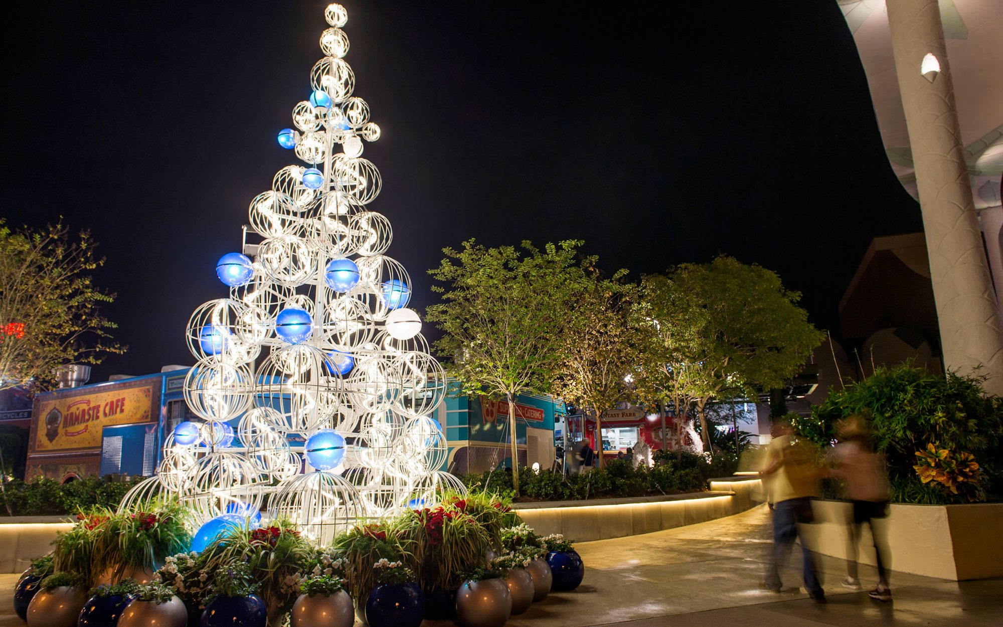 Disney Christmas Travel Tips: Adjust Your Expectations