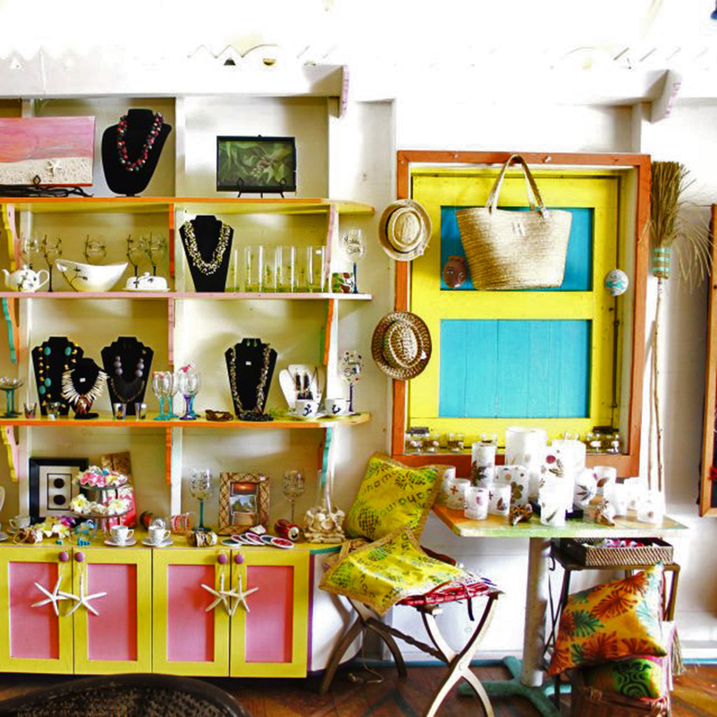 Best Places to Buy Souvenirs in the Bahamas