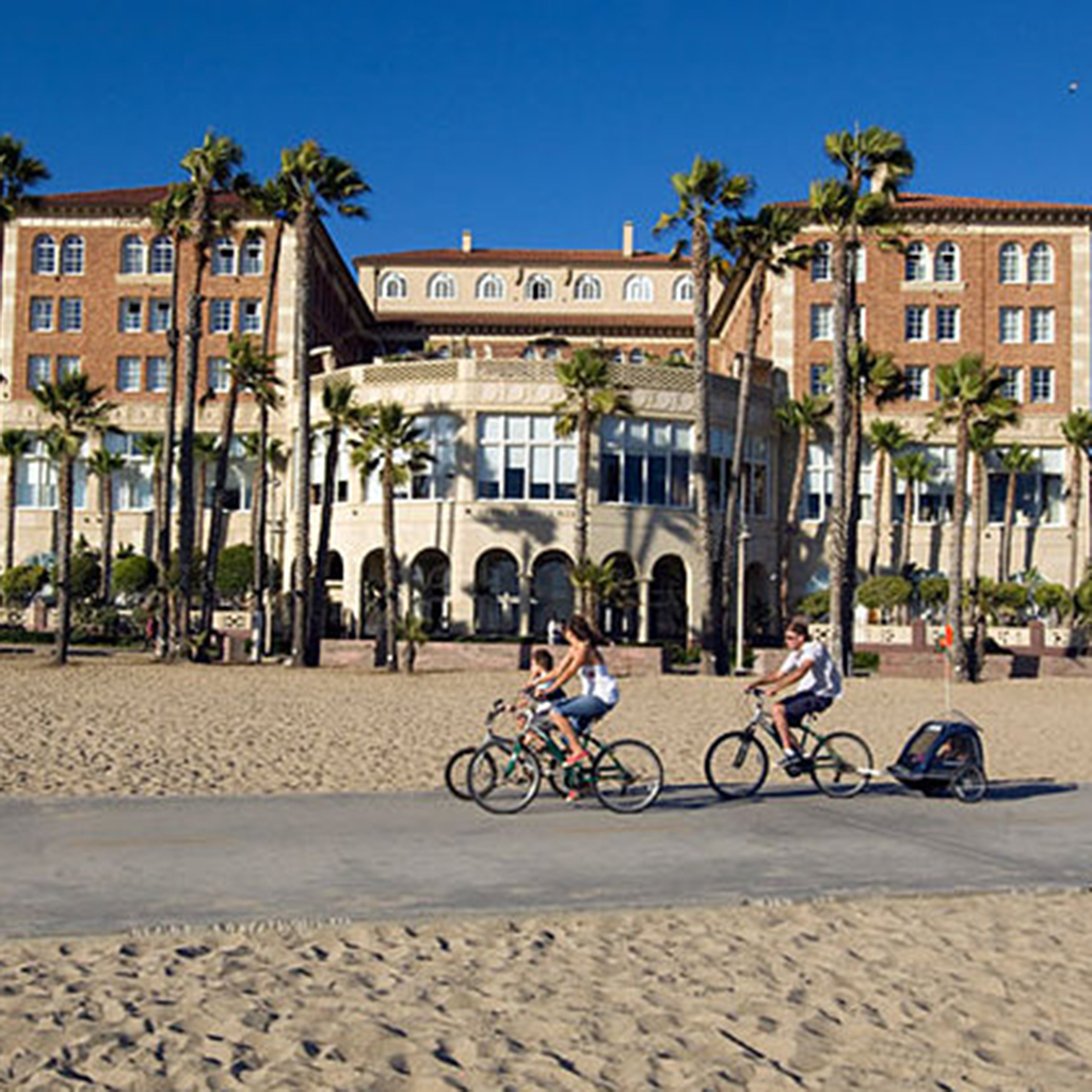 Top Family-Friendly Hotels in Los Angeles