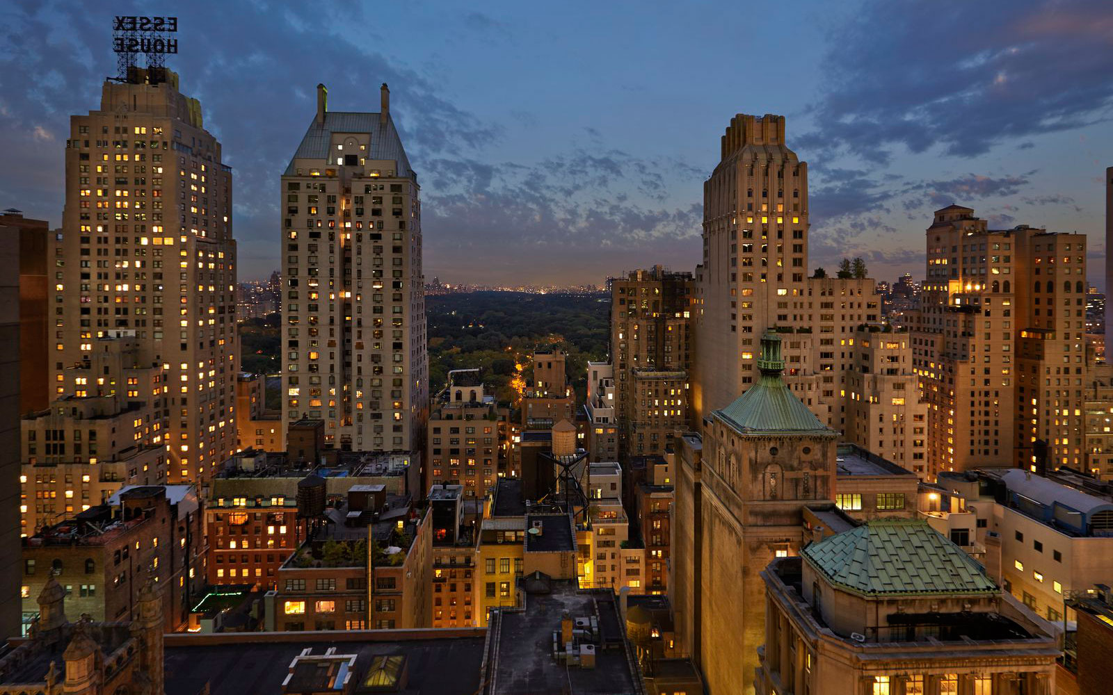 Summer Vacation Ideas: Viceroy New York Roof Top