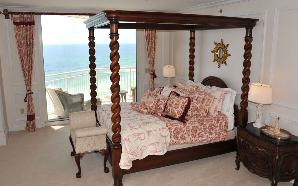 Celebrity Homes You Can Rent: Anne Rice: Belle Mer, FL