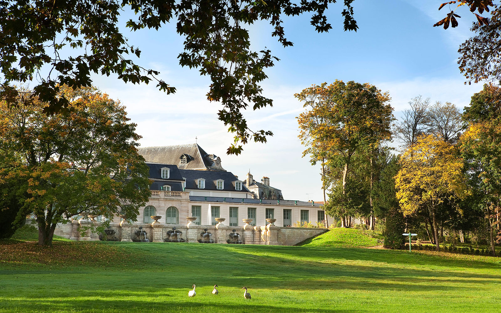 Nine New French Countryside Retreats to Live Out Your Provençal Dream Life: Hotel Auberge de Jeu de Paume, Chantilly