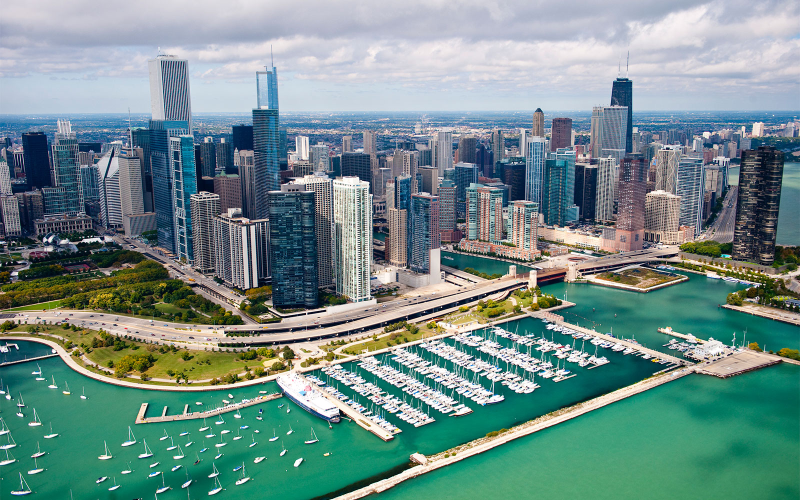 15 Destinations to Inspire Your Next Runner's High: Chicago