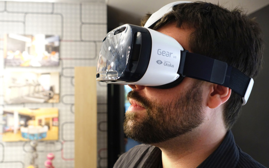 11 Amazing Things Found in the Hotel Room of the Future: Oculus rift rentals