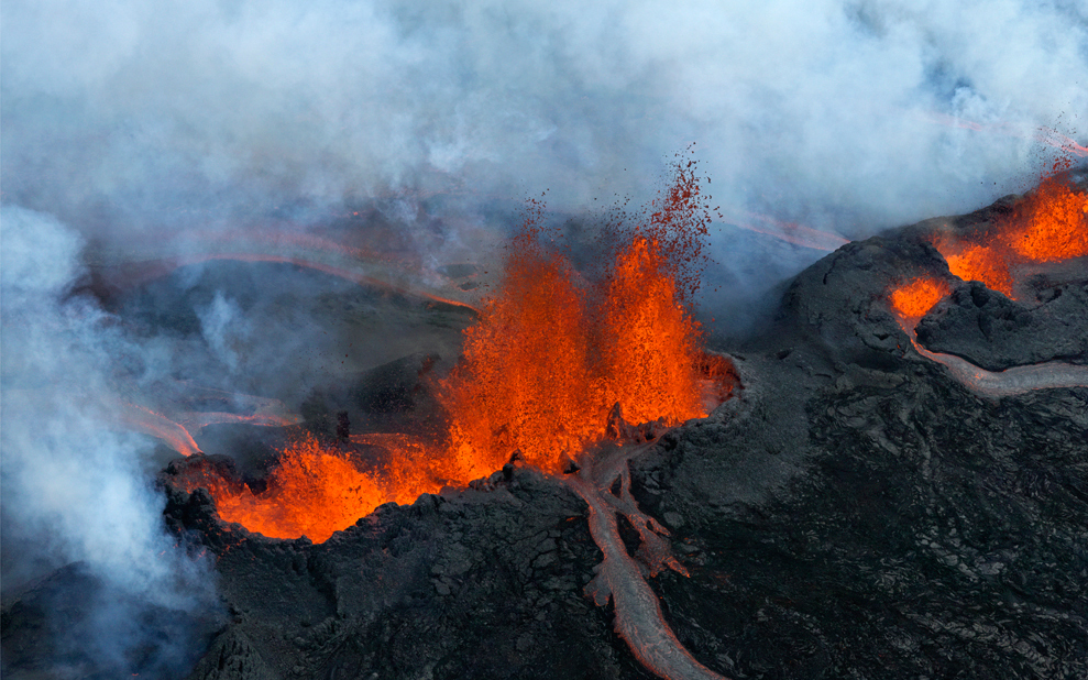 In Photos: the Lava Fields, Snow-Capped Peaks and Lunar Landscapes of Iceland