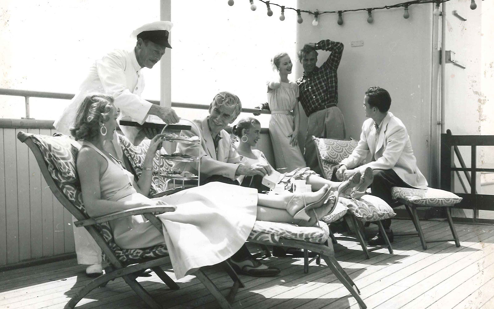 For Cunard's 175th Birthday, 14 Beautiful Vintage Shots Confirming the Glamour of Cruising