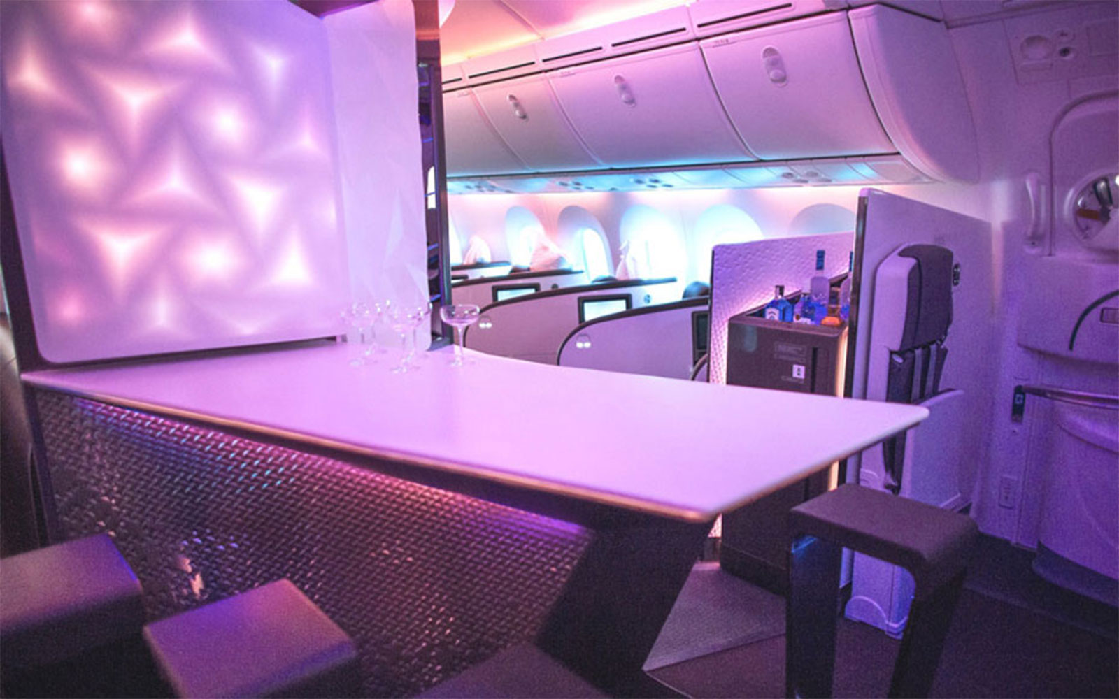 The 13 Best Aircraft Cabin Innovations Ever: Onboard Lounges